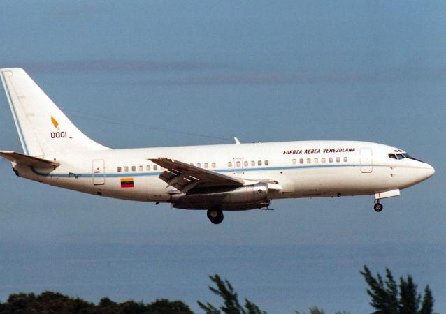 委内瑞拉航空公司一架客机因发动机起火紧急着陆