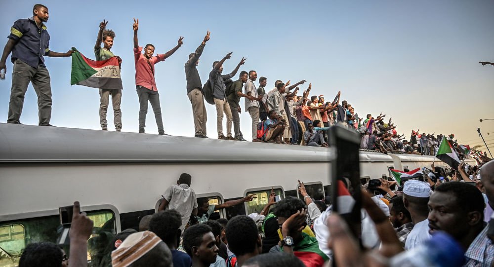 在苏丹首都喀土穆的抗议中一人死亡,数人受伤