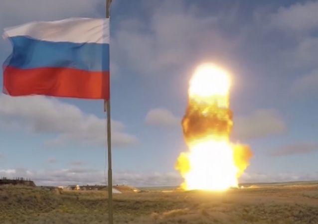 俄空天军在哈萨克斯坦萨雷沙甘靶场成功测试了反导防御系统新型导弹(资料图片)
