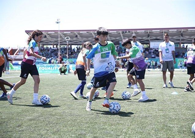 「足球-友誼」項目活動