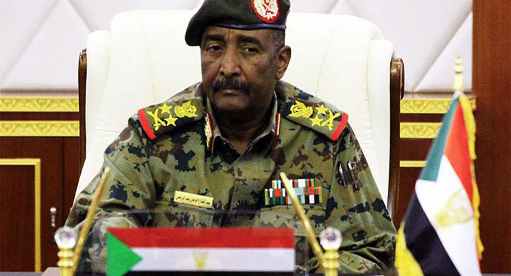 军事委员会主席阿卜杜勒·法塔赫·阿卜杜勒拉赫曼·布尔汉