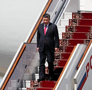 习近平抵达莫斯科,开启国事访问