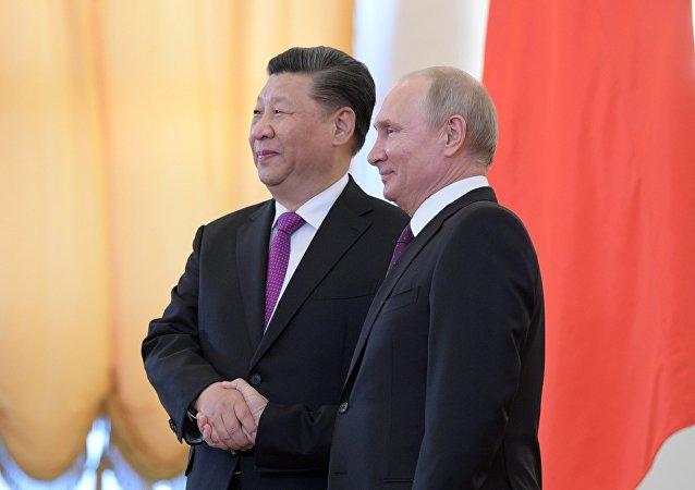 俄羅斯總統普京向中國國家主席習近平發賀電祝賀中華人民共和國成立70週年