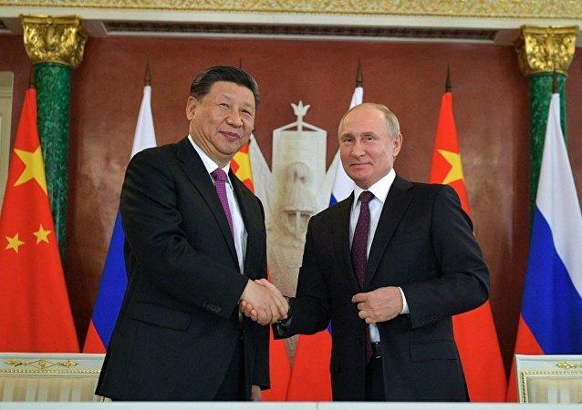 俄中签署20多份经济、投资领域文件