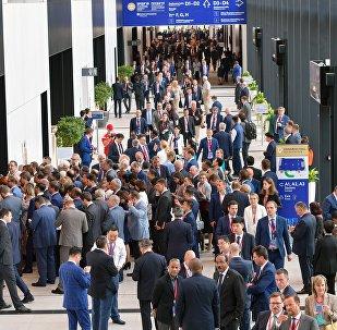 2019年聖彼得堡國際經濟論壇簽署650份協議 總額3.1萬億盧布