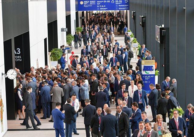 2019年圣彼得堡国际经济论坛签署650份协议 总额3.1万亿卢布