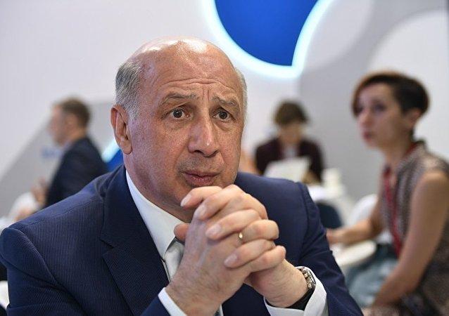 新开发银行(金砖银行)副行长弗拉基米尔·卡兹别科夫(资料图片)