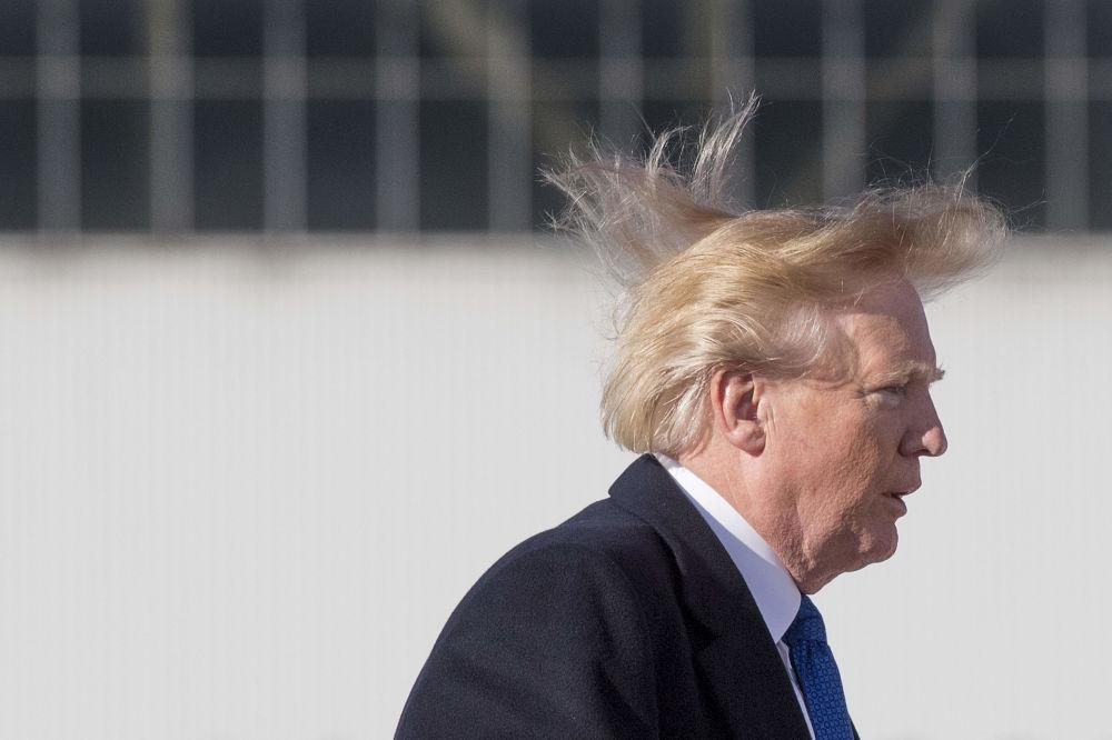 美國總統唐納德·特朗普登機。