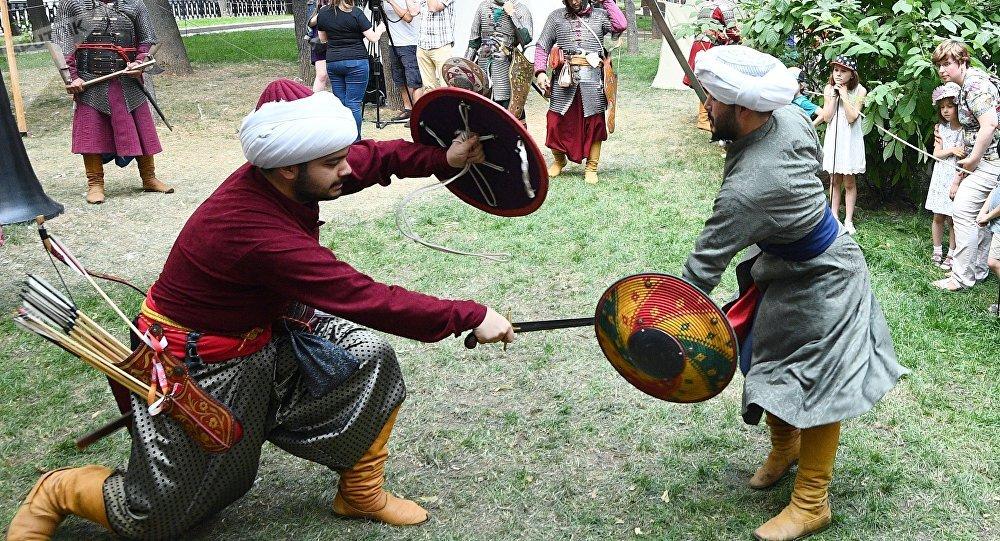 """莫斯科""""历史与时代""""狂欢节期间将展示丝绸之路文化遗产"""