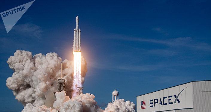 華媒:美公司計劃利用火箭發射機會為152人舉行太空葬禮