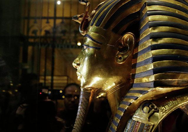 埃及首次嘗試修復圖坦卡蒙法老金棺