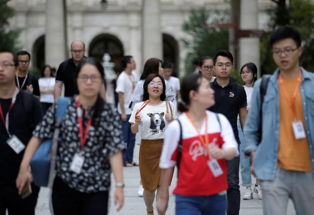 華為公司在全世界擁有超過18萬名員工,其中一半從事研發工作