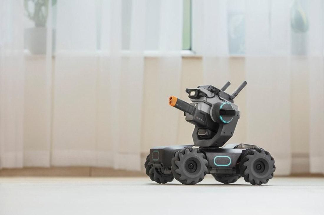 大疆发布教育机器人机甲大师 S1