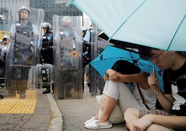 中国国务院港澳办:461人在香港暴力冲突中受伤 其中警务人员139名