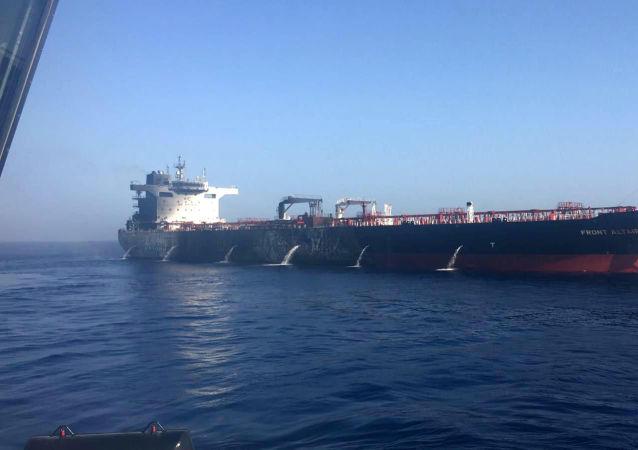 阿曼湾起火油轮船主称大火已被扑灭