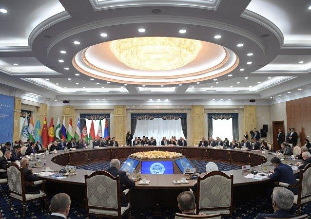 欧亚伙伴关系应建立在没有政治和经济利己主义的基础之上