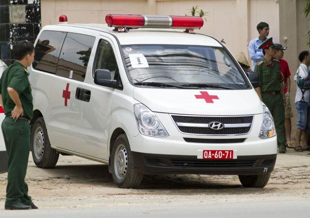 媒体:越南一军机坠毁 两人死亡