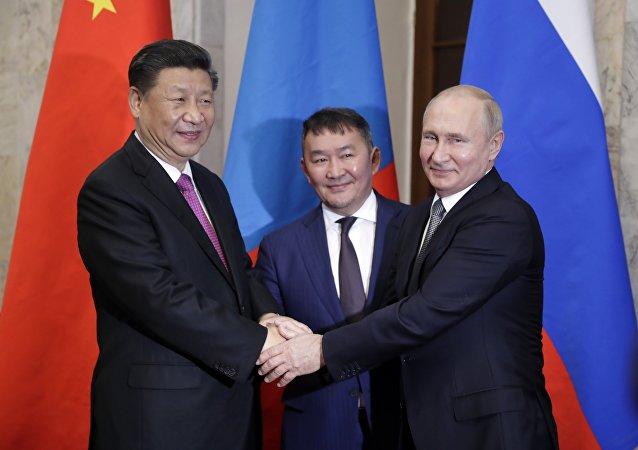 蒙古总统:中俄正在研究建设过境蒙古的天然气管道提议