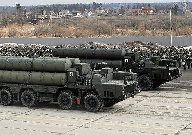 俄罗斯防空导弹系统S-400