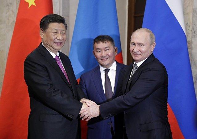 普京:俄希望加強與蒙古國和中國在交通領域的聯繫
