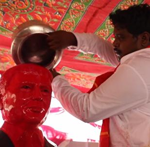 一印度人把特朗普供奉為神