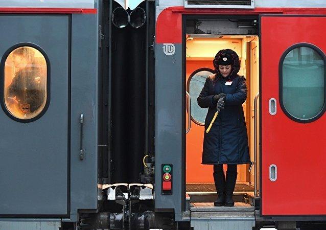 火车列车员