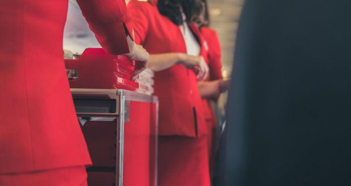 航空营养师告诉你坐飞机该怎么吃