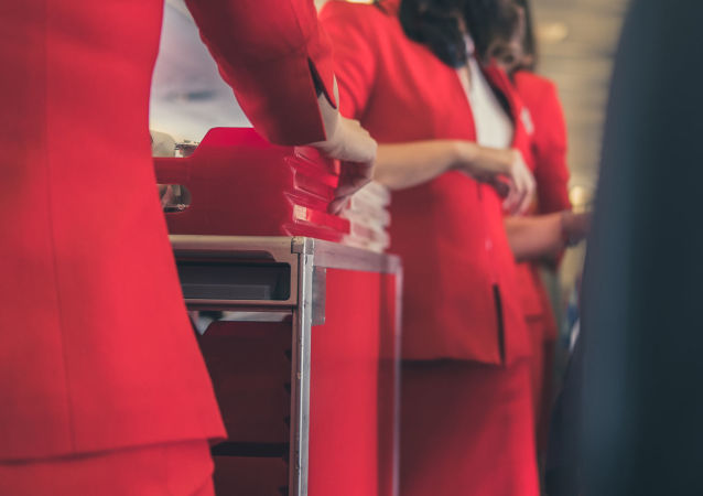航空營養師告訴你坐飛機該怎麼吃