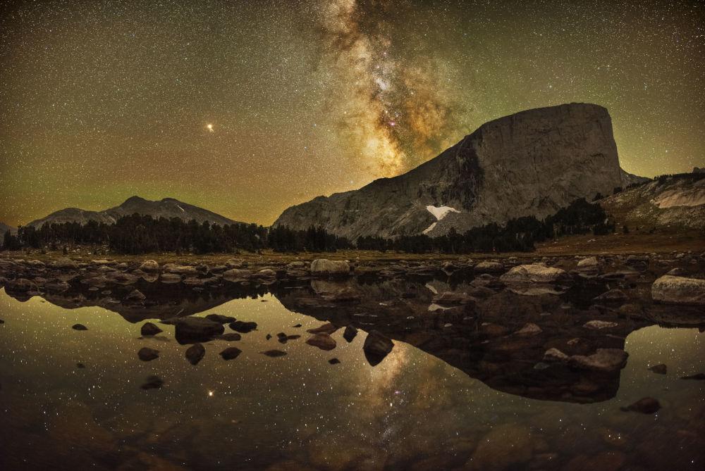 美國攝影師Marc Toso的作品Reflections of Mount Hooker