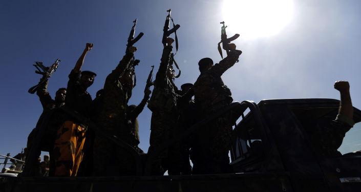 Бойцы группировки хуситов в Йемене