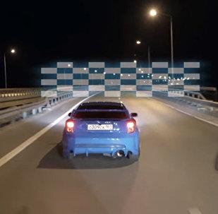 俄羅斯人製作了《極品飛車》遊戲的街頭版視頻