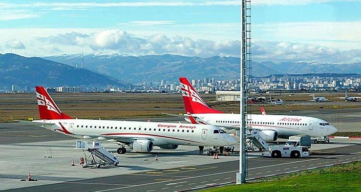 格鲁吉亚Airzena航空公司的客机