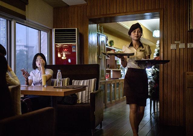 旅朝澳大利亚学生介绍朝鲜丰富美食
