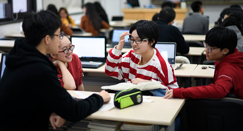 普京:美国禁止中国学生选修某些专业的事实让人感到惊讶