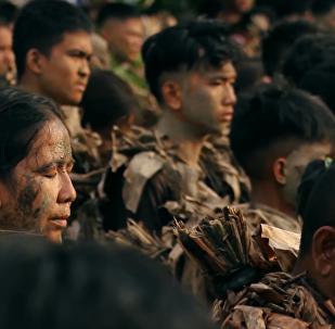 菲律賓「泥巴人」節