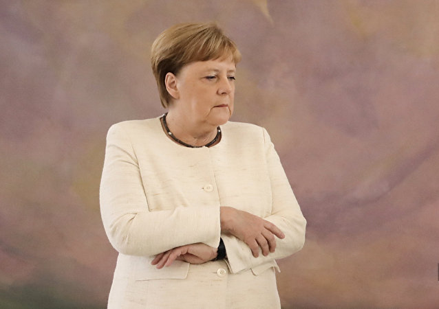 德国人怀疑默克尔频繁发抖是因为酗酒