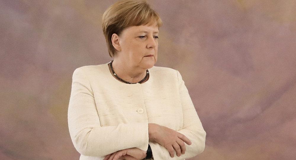 德國人懷疑默克爾頻繁發抖是因為酗酒
