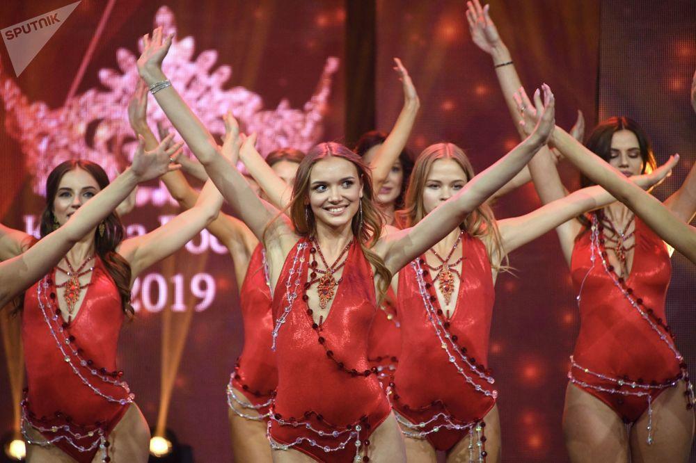 第25屆 「俄羅斯之美-2019」美麗天才節決賽參賽者