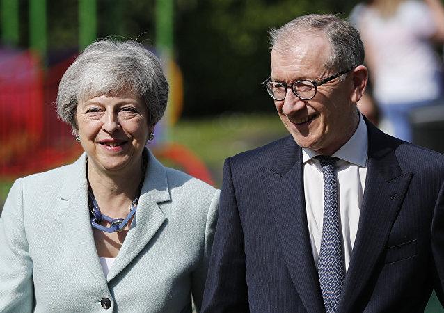 梅的丈夫成為G20峰會太太團里唯一男性