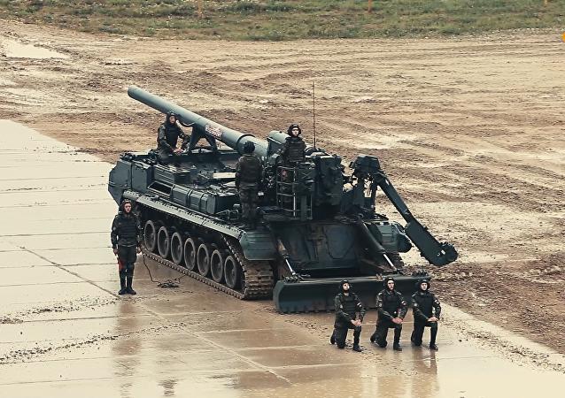 """""""军队-2019""""论坛上的军事装备在阿拉比诺靶场动态出展"""