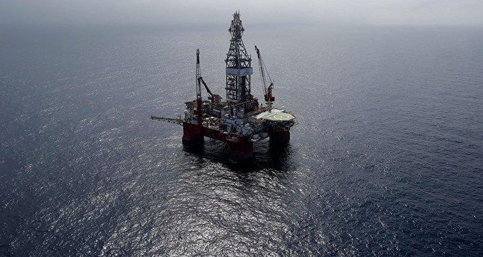美國墨西哥灣石油開採量因熱帶風暴威脅減少30%以上