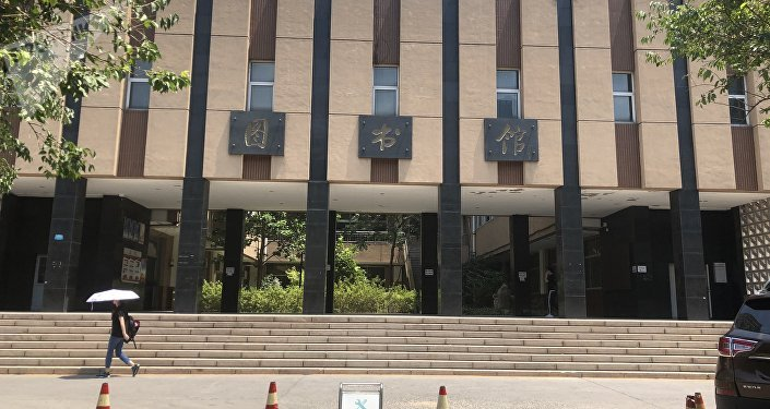 """北京高温黄色预警持续  看北京年轻人如何""""佛系""""避暑"""