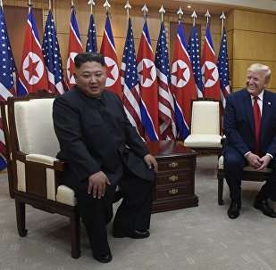 朝鮮領導人金正恩(左)和美國總統特朗普