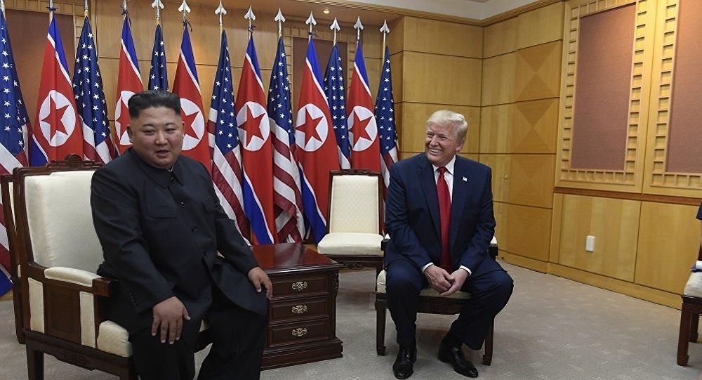 """特朗普许诺金正恩""""很快见"""""""
