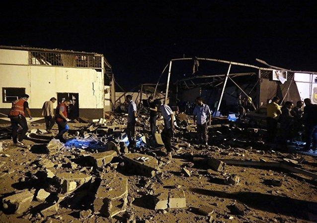 黎波里郊区塔朱拉(Tajoura)地区的非法移民拘留中心