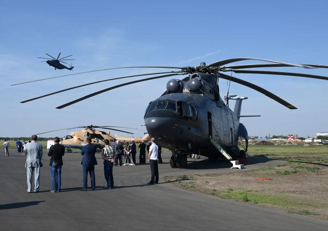 Тяжелый военно-транспортный вертолет Ми-26Т2