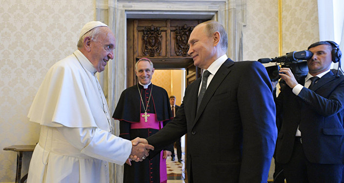 普京在梵蒂冈与教皇会谈