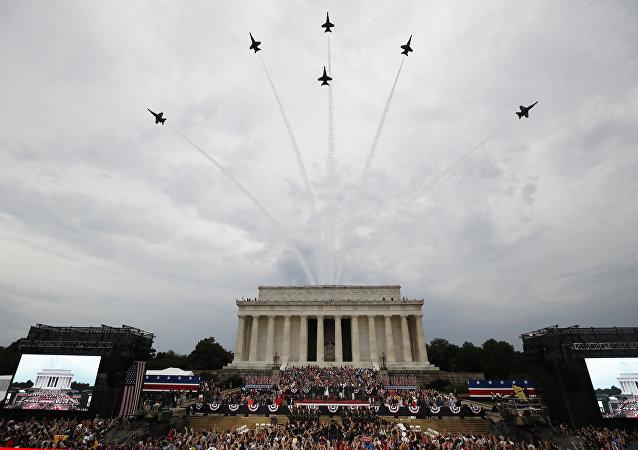 坦克開上華盛頓街頭:特朗普在為戰爭做準備