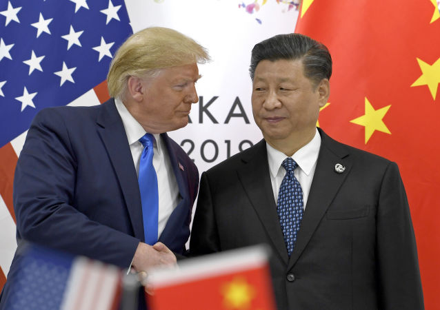 Президент США Дональд Трамп и глава КНР Си Цзиньпин на встрече в рамках саммита G20 в Осаке