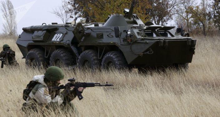 俄中边防人员举行联合演习